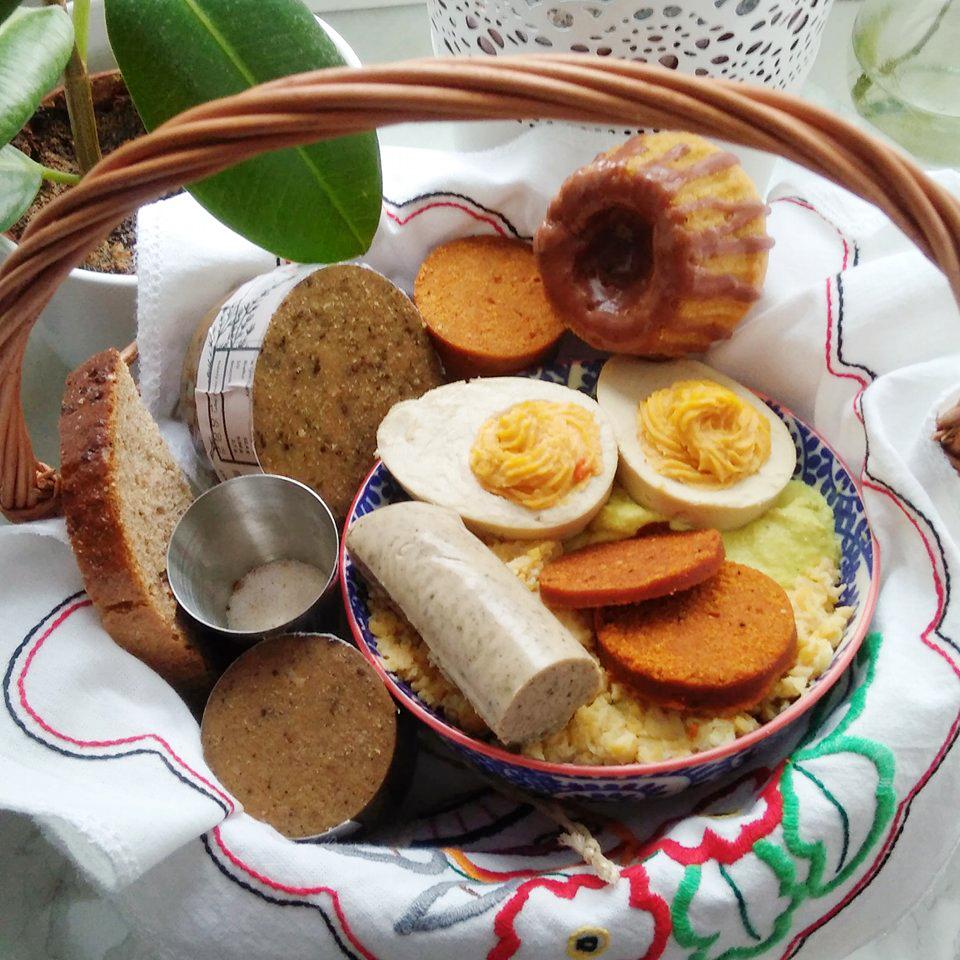 wegańska święconka i jajka wegańskie na twardo